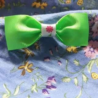 ribbon brooches 2 foe $2