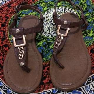 Sepatu sendal #FISIPUNIS