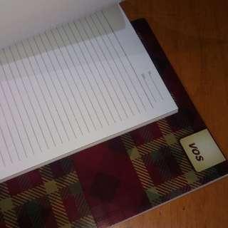 Buku tulis sekolah kosong (kurang lebih 50 lembar)