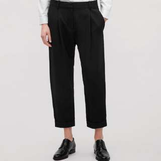 COS black wool trousers with turn-ups size 8