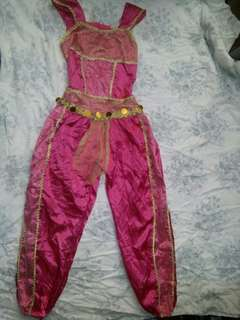 Girl costume 6-7 yrs old