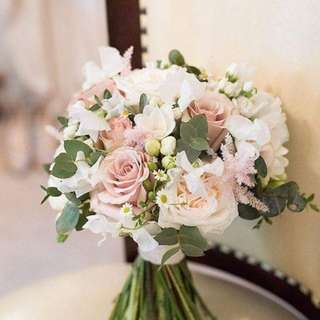 Flower_identity bridal bouquet