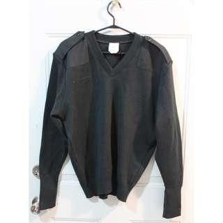 Men's Military Green V-Neck Sweater (size L)