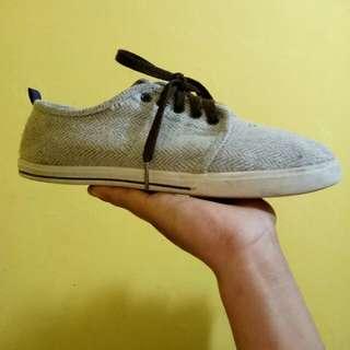Sepatu (original)