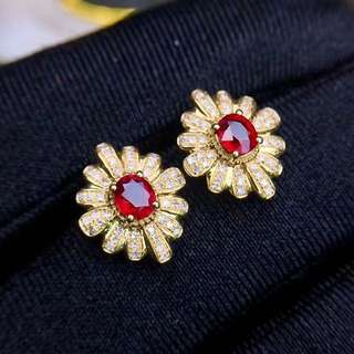 Gift ideas: 0.62ct unheated Pigeon Blood Ruby Earring 18k gold diamonds