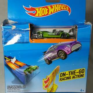 Hotwheels Car On-The-Go Racing Action