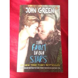 Novel JOHN GREEN The fault in our Star