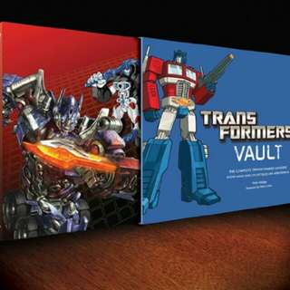 Transformers Vault: The Complete Transformers Universe - Showcasing Rare Collectibles and Memorabilia ( Hardcover /Slipcased)