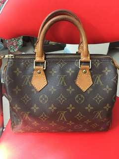 Louis Vuitton Sleedy 25 mono