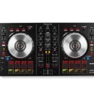 Pioneer DJ's DDJ-SB2 DJ controller