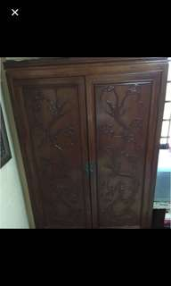 Rosewood cabinet with dragon carving on doors