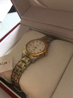 SUE&KEVIN STAINLESS STEEL GOLD WATCH