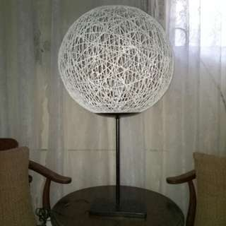 Abaca rope table lamp
