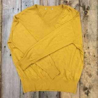 Mustard knitted pullover