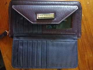 Tahari Wallet