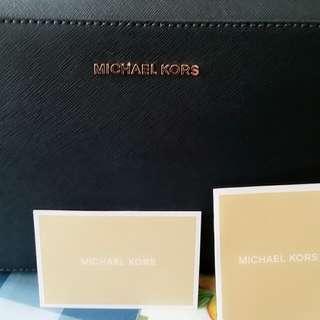 名牌MK.斜孭手袋.👜專櫃女士們愛戴.