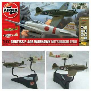 Military combat aircraft for souvenir or hobby or education: CURTISS P-40 WARHAWK VS MITSUBISHI ZERO