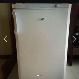 Far fella breastmilk freezer
