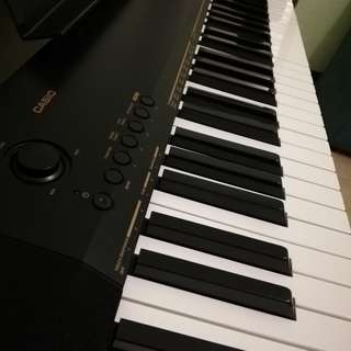 Keyboard with free case etc. : Casio CDP 130
