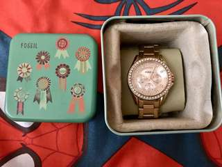 For sale Fossil (4500) and Gshock (3000) watches