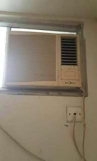 美的窗口式冷氣機