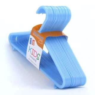 Baby Hanger Plastic 30 pcs & Free Gift