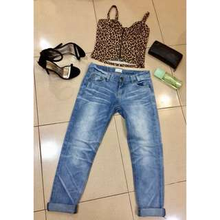 Sexy Crop Top and Tokong Jeans Set
