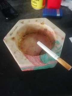 Bisquit ashtray