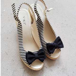 [PL] Cute Wedges Size 38 women shoes black and white