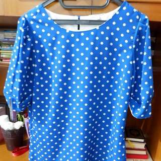 Blue polkadot's top