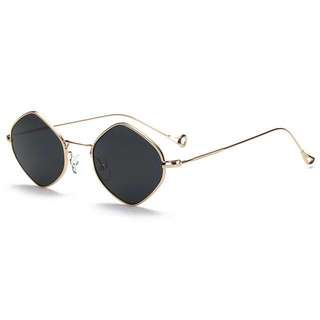 Trendy sunnies black