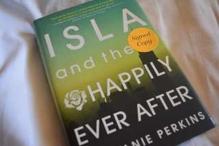 Isla and the Happily Ever After(Signed Copy)