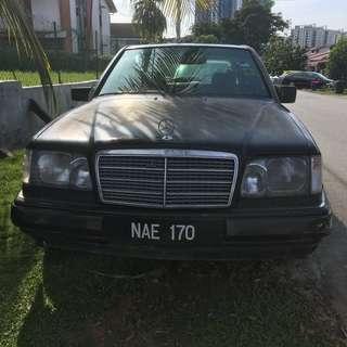 Mercedes 1996 E220