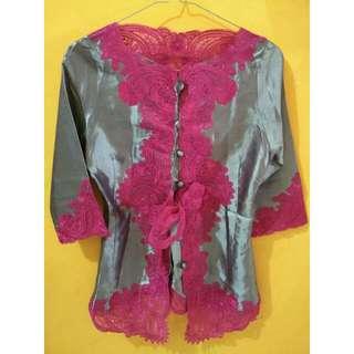 Kebaya pink modern