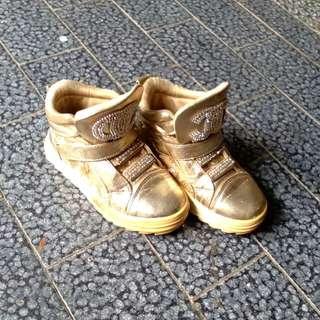 Sepatu anak chanel