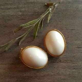 現貨美國二手Vintage 雞蛋夾式耳環