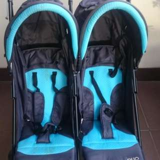 Twin stroller baby does