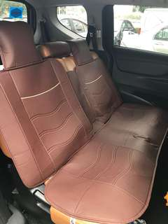 Universal car seat for 5 seater