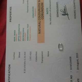 Batu permata ada sertifikat