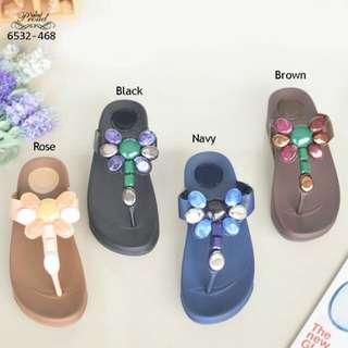 Honeybee Jewelley flipflop sandals