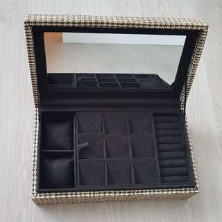 Classic Jewelry Box - for watches, jewelries & special documents