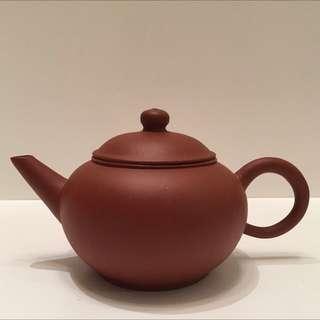 Zhong guo Yixing Zisha Teapot, red clay, 100ml.