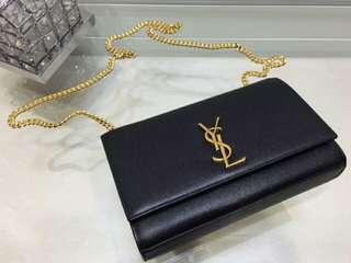 YSL經典黑底金扣款(中) medium chain bag