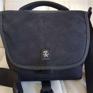 Crumpler 5 Million Dolar DSLR Shoulder Bag