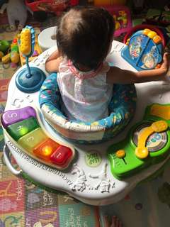 Leapfrog Learn & Groove Activity Station (exersaucer)