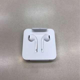 Brand NEW earphones for APPLE Iphone