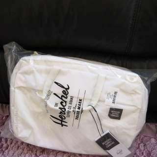 全新Herschel britannia 三用袋 全白