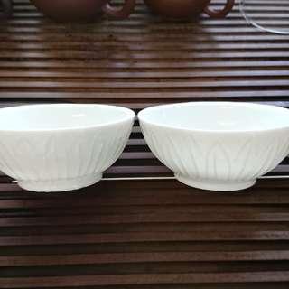 元代 德化窯蓮花瓣印紋碗(一對)