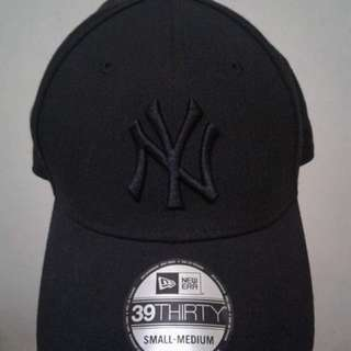 BLACK NEW ERA CAP