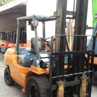 Toyota 4ton 2stages High mast forklift lifting height :5m